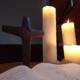 Kerzen am Abendsmahlstisch